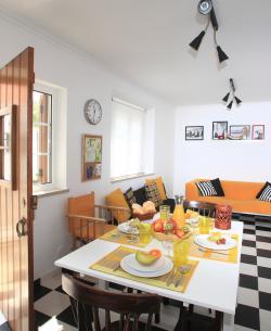 Casa do Joaquim da Praia - Apartamento T2 (rés-do-chão)